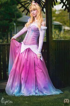 ღ Princess Birthday Gown Sleeping Beauty Cosplay, Disney Sleeping Beauty, Princess Birthday, Princess Party, Princess Gowns, Prom Dresses, Formal Dresses, Wedding Dresses, Aurora Disney