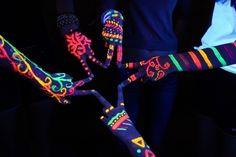 Glow in the Dark Face Body Paint Color Glowing Body Painting Charge Light Neon Luminous Halloween fluorescent TaTy KpacKa Full Moon Party, Blacklight Party, Neon Painting, Light Painting, 13th Birthday Parties, Neon Birthday, Neon Glow, Party Decoration, Reasons To Smile
