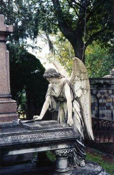 Statues Of Women - Statues Of Liberty Girl - - - Female Statues Body Cemetery Angels, Cemetery Statues, Cemetery Headstones, Old Cemeteries, Cemetery Art, Graveyards, Bonaventure Cemetery, I Believe In Angels, Mystique