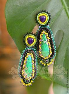 """Boucles d'oreilles à la main.  Foire Maîtres - boucles d'oreilles faites à la main """"de froggy exotique"""".  Handmade."""