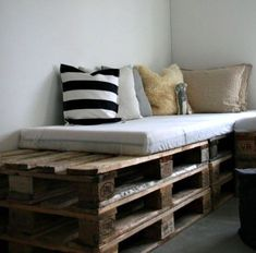 15 beautiful wood pallet bed frames - Creative Bed Frames