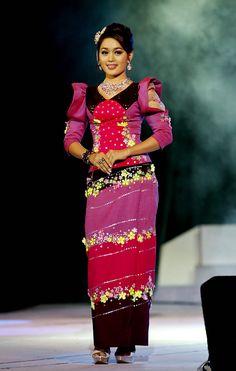 Women�s fashion in Myanmar