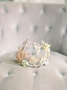 15 Wedding Hair Accessories Tiara That Will Drive You Crazy Headpiece Wedding, Bridal Headpieces, Fascinators, Wedding Earrings, Wedding Blog, Wedding Day, Chic Wedding, Bridal Crown, Wedding Hair Accessories