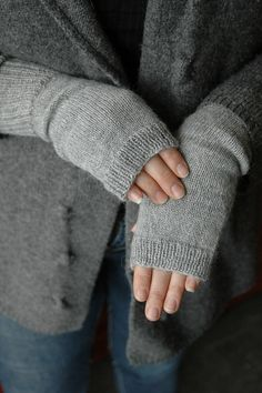 Ravelry: Fingerless Mitts - Fingering Version pattern by Kate Atherley