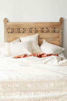 [Natural and simple headboard in a beachy style #headboard #bedroom]