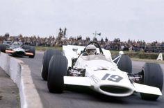 Vic Elford, McLaren-Ford M7B, 1969 British GP, Silverstone