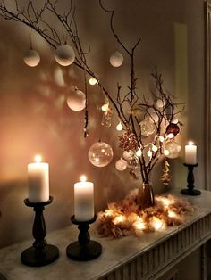 Not very early in the # preparations and # decoration # Christmas but that& all - Weihnachten, Centerpiece Christmas, Christmas Table Decorations, Tree Decorations, Winter Decorations, White Christmas Decorations Diy, White Christmas Lights, Wedding Decorations, Decorating With Christmas Lights, Decor Wedding