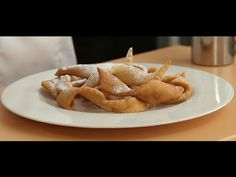 Kroštule are a traditional pastry originating from Istria and Dalmatia by deep frying ribbon-shaped dough. Today's recipe is a variation on the kroštule with Croatian Recipes, Hungarian Recipes, Recipe Today, Today's Recipe, Vanilla Sugar, French Food, Wine Recipes, Deserts, Food Porn