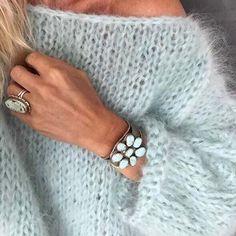 White women sweater Mohair sweater Hand Knit women cardigan Angora Wool cardigan Arm Knitting women jaket Oversize Mohair – The Best Ideas White Knit Sweater, Mohair Sweater, Wool Cardigan, Knit Sweaters, Pull Mohair, Handgestrickte Pullover, Oversize Pullover, Arm Knitting, Knitting Patterns