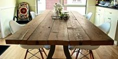 Confession: I have never purchased a new kitchen table. I've always had hand me downs. Here are my fave DIY Kitchen Table Ideas. Reclaimed Wood Dining Table, Industrial Dining, Wooden Tables, Make A Table, Diy Table, Homemade Kitchen Tables, Diy Kitchen, Kitchen Ideas, Wooden Kitchen