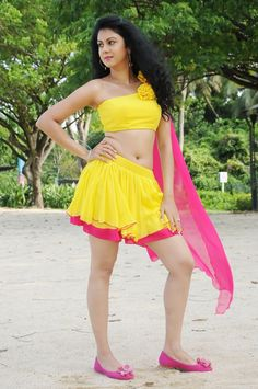 Beauty Galore HD : Kamna Jethmalani Sizzling Photoshoot In Yellow Skirt In The Beach Red Mini Skirt, Pink Gowns, Cute Beauty, Sexy Skirt, Beautiful Girl Indian, Beautiful Girl Image, Indian Beauty Saree, Indian Girls, Indian Dresses