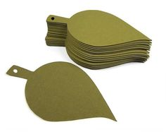 Die cut paper leaves cut from 80lb weight quality cardstock with a 1/8 inch hole in stem for hanging. The green leaves are same color on both sides. Perfect as to add to fall decorations, make garland or use as wedding tags or place cards.  * Sets of 25, 50, 75, 100, 125 * Size: 4 x 2 (see second photo for full measurements)  More selection here: KatsPaperTrail.etsy.com  Your purchase from Kats Paper Trail guarantees quality service and product with a speedy turn-around time. All regular…