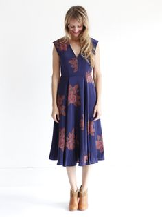 No. 6 V-Neck Dress - Full Bloom Navy