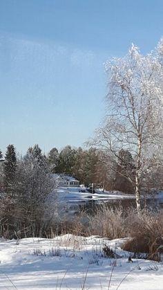 Oulujoki virtaa sulana Jokirinteellä maaliskuussa