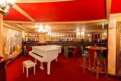 Churchhill Bar