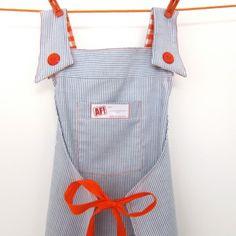 Blauw wit jurkje - CHEF schort, gemaakt van een overhemd