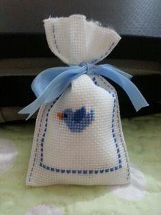 #kanevice lavanta kesesi Cross Stitch Embroidery, Hand Embroidery, Cross Stitch Patterns, Cross Stitch Love, Lavender Sachets, Diy Easter Decorations, Stitch 2, Small Gifts, Needlepoint