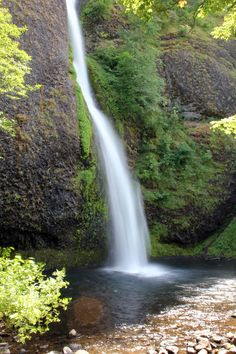 Horsetail Falls, Columbia Gorge Scenic Highway, Oregon  © Marsha K. Russell