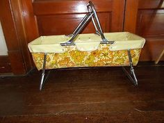 Vintage-Mid-Century-Auto-Baby-Car-Bed-Seat-CARRIER-FOLDING-COLLAPSABLE