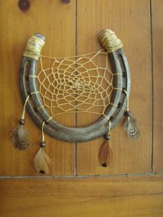 Recycle Reuse Renew Mother Earth Projects: Horseshoe Dream Catcher