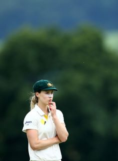 Icc Cricket, Cricket Sport, Cricket News, Fast Bowling, Cricket Wallpapers, 10 Most Beautiful Women, Female Athletes, Women Athletes, Sports Stars