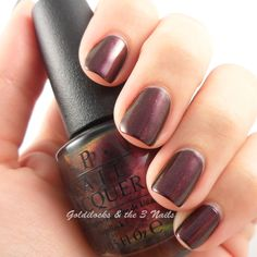OPI - Muir Muir on the Wall Swatch
