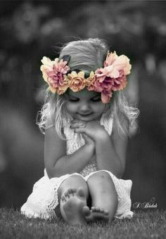 Ideas for photography girl flowers kids Newborn Photography, Family Photography, Photography Flowers, Children Photography Vintage, Mommy Daughter Photography, Glamour Photography, Lifestyle Photography, Editorial Photography, Photography Ideas