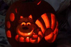Patterns of cat carved into a Halloween Pumpkin. A huge collection of samples. Cat Pumpkin Carving, Halloween Pumpkin Stencils, Pumpkin Carving Patterns, Pumpkin Art, Halloween Mug, Halloween Pumpkins, Halloween Decorations, Cheshire Cat Pumpkin, Pumpkin Carver