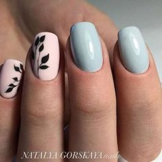 Opting for bright colours or intricate nail art isn't a must anymore. This year, nude nail designs are becoming a trend. Here are some nude nail designs. Love Nails, How To Do Nails, Fun Nails, Nagellack Design, Manicure E Pedicure, Accent Nails, Trendy Nails, Nail Arts, Nails Inspiration