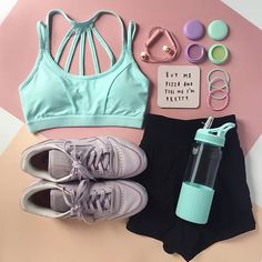Motivation for the gold or for pizza @hungryhipsters.  Now until Sunday get 21% off activewear w/ promo GO4GOLD (online only, shop the link in bio) #flatlay #flatlayapp #flatlays www.theflatlay.com