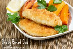 I promise that you will find it nearly impossible to tell the difference between this Crispy Baked Cod and the fried version (minus the sogginess & grease). Baked Cod Recipes, Seafood Recipes, Cooking Recipes, Cooking Games, Fish Dinner, Seafood Dinner, Fish And Chips, Tasty Dishes, Food Dishes