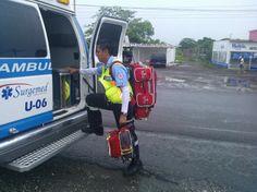 Super equipado con productos MERET, Jaime inicia su guardia lo acompañan OMNI Pro Fire y First In Side Pack Pro Fire. EMS México Equipando a los Profesionales