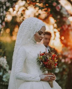 👉 👉 😍😍 You can find different rumors about the real history of the wedding … Muslim Wedding Gown, Hijabi Wedding, Muslimah Wedding Dress, Muslim Wedding Dresses, Disney Wedding Dresses, Muslim Brides, Dream Wedding Dresses, Wedding Bride, Bridal Dresses