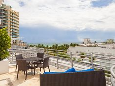 Luxury Ocean View Penthouse Private Roof Jacuzzi, Steps to Beach and Lincoln Rd #tripz #vacation #miami #vacationrentals