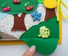 """страничка двойная, завязывается на шнурок, первая часть - сад, вторая - огород помогаем пчелке добраться до улья, передвигаясь только по цветочкам. все цветочки и листочки - на кнопках, """"маршрут"""" можно менять:)"""