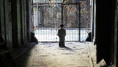 Praying Hitler in Warsaw ghetto sparks emotion
