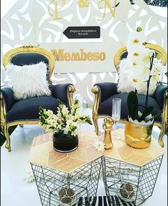 Couple Stage Decor for Umembeso – Clipkulture – Wedding Beauty African Wedding Theme, African Print Wedding Dress, African Wedding Attire, Zulu Traditional Wedding Dresses, Traditional Wedding Decor, African Traditional Wedding, Zulu Wedding, Green Wedding Decorations, Bowl Centerpieces