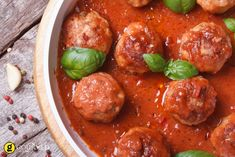 Slow Cooker Spaghetti Sauce and Meatballs Crock Pot Recipes, Slow Cooker Recipes, Cooking Recipes, Soup Recipes, Venison Meatballs, Best Meatballs, Slow Cooker Spaghetti Sauce, Tomato Sauce Recipe, Healthy Carbs