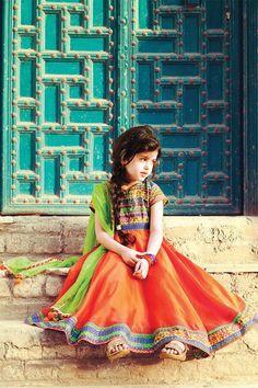 Pakistani Baby Girls Fancy Dresses For Birthday Party, Weddings Kids Party Wear Dresses, Girls Fancy Dresses, Birthday Dresses, Little Girl Dresses, Cute Little Girls, Cute Kids, Baby Girls, Little Girl Photos, Girls Dp