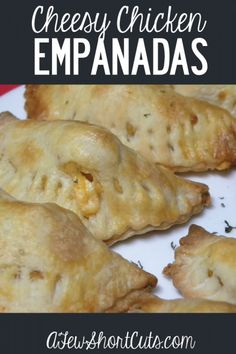 Amazing and easy dinner for any night of the week! Try these Simple Cheesy Chicken Empanadas recipe