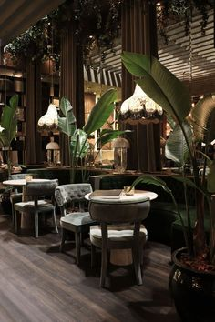 restaurant art Find out why mid-century chandelier - Bar Interior Design, Restaurant Interior Design, Cafe Interior, Cafe Design, Bistro Interior, Japanese Restaurant Interior, Resort Interior, Restaurant Interiors, Interior Colors