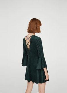 Sélection mode femme petite taille - La Petite Allure - Robe ouverte dos.  Mango Mode 4494c12fc84b