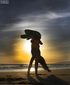 #yoga #yogi #yogapose #yogainspiration #antigravity #acroyoga #ashtanga #bikram #hotyoga #meditation #namaste #balance #More inspiration at Bed and Breakfast Valencia Mindfulness Retreat : http://www.valenciamindfulnessretreat.org