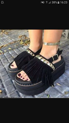 Wedge Sandals, Shoes Sandals, Japanese Socks, Funky Shoes, Comfy Shoes, Shoe Game, Fashion Outfits, Womens Fashion, Beautiful Outfits