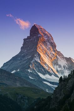 View of Matterhorn from Zermatt, Switzerland. Matterhorn is perhaps Switzerland's most popular mountain. Zermatt, Beautiful World, Beautiful Places, Belleza Natural, Travel Images, Landscape Photography, Photography Tips, Photography Tutorials, The Great Outdoors