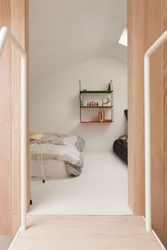 London Home Airbnb Rental Studiomama: A House with Minimalist Interior and New Layout Sleeping Pods, Airbnb Rentals, Living Place, Small Modern Home, Minimalist Interior, Dream Bedroom, House Rooms, Interior And Exterior, Interior Ideas