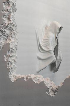 Long Tunnel Excavated Through the Walls of a Gallery by Daniel Ashram – Fubiz Media