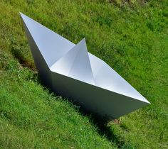 Kami mandjet, mariotti.mazzeo, 2012, ferro, smalto, 350x120 cm - Ignazio Mazzeo #art #sculpture #ignaziomazzeo #littleboat