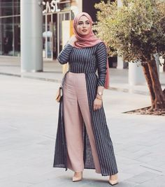 Ladies getting trendy with hijab fashion – Ozyfashion - Modern Hijab Fashion, Islamic Fashion, Abaya Fashion, Muslim Fashion, Modest Fashion, Fashion Outfits, Casual Hijab Outfit, Hijab Chic, Mode Kimono