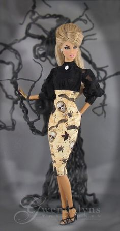 GOTHIC TOMB Fashion for Victoire, Silkstone, Monogram, Poppy Parker and similar sized dolls Sewing Barbie Clothes, Doll Clothes, Fashion Royalty Dolls, Fashion Dolls, Pretty Dolls, Beautiful Dolls, Barbie Halloween, Childhood Movies, Vintage Barbie Dolls